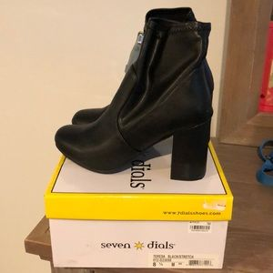 Shoes - Black Stretch Seven Dials Boot/booties Size 8.5